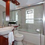 100 Brenda Crescent Toronto ON-small-016-12-Main Bathroom-666x444-72dpi