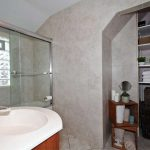 100 Brenda Crescent Toronto ON-small-017-13-Main Bathroom-666x444-72dpi