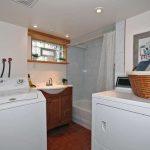 100 Brenda Crescent Toronto ON-small-021-19-Laundry RoomBathroom-666x444-72dpi