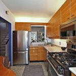 31 Strathcona Ave Toronto ON-small-011-10-Kitchen-666x444-72dpi