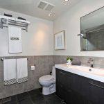 31 Strathcona Ave Toronto ON-small-019-17-Main Bathroom-666x444-72dpi