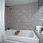 31 Strathcona Ave Toronto ON-small-020-20-Main Bathroom-666x444-72dpi