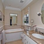 32 Summerhill Ave Toronto ON-small-024-22-Main Bathroom-666x444-72dpi