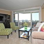 980 Broadview Ave Unit 1107-print-007-4-Living Room-2100x1400-300dpi