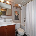 980 Broadview Ave Unit 1107-print-024-19-Main Bathroom-2100x1400-300dpi