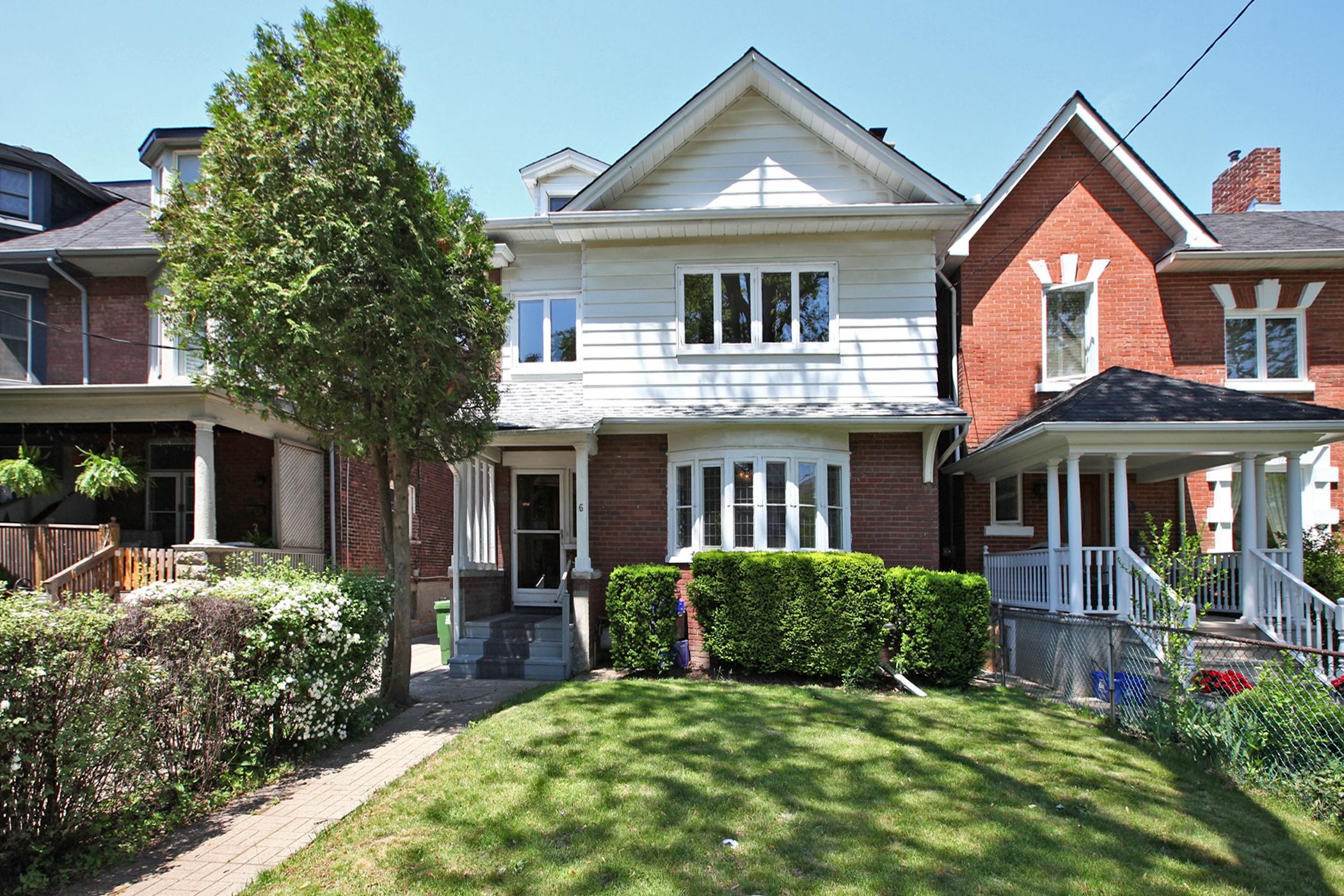 6 Bain Ave Toronto ON M4K 1E6-print-001-002-Exterior-2100x1400-300dpi